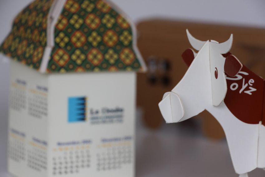 carton et vache comtoise imprimée en carton